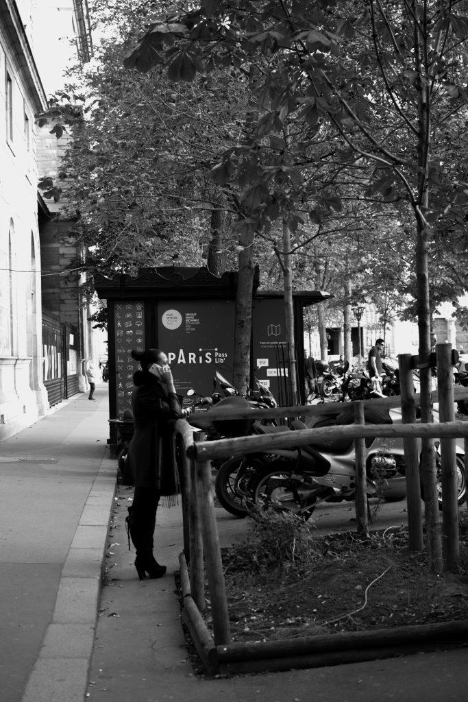Paris Notre Dame (girl on phone)