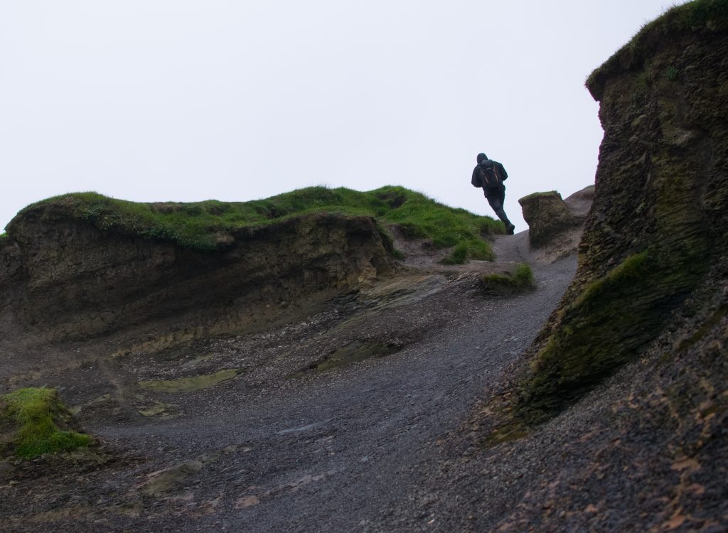 cliffs of moher trail